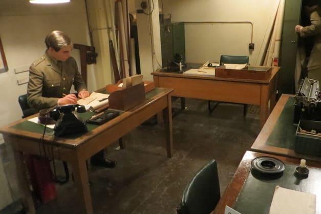 Panorama de los maniquíes en Churchill War Rooms.