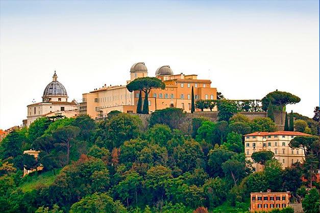 Imagen de Castel Gandolfo tomada en una excursión desde Roma