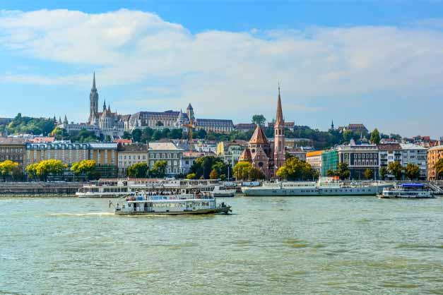 Comprar la entrada al Castillo de Buda.