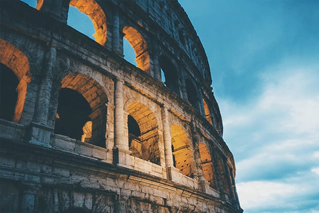 Instalaciones y entrada al Coliseo de Roma
