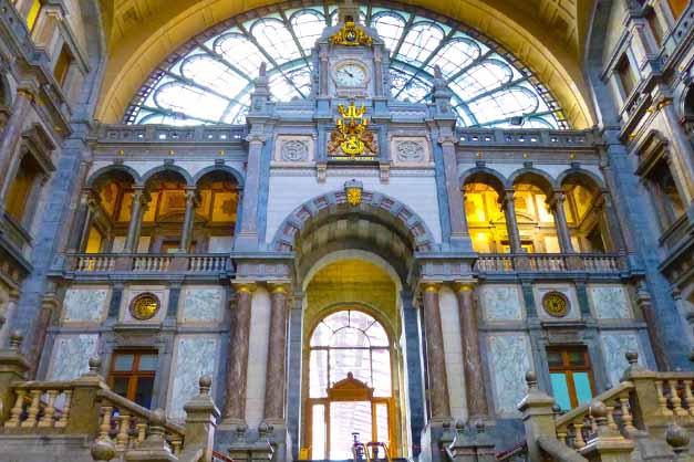 Estación Antwerpen Centraal en la excursión a Gante y Amberes desde Bruselas.