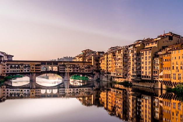 Vista del Puente Vechio en una excursión a Florencia desde Roma