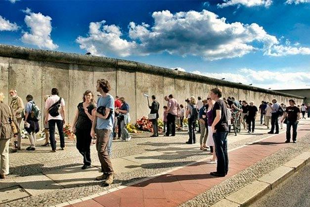 Muro de berlin en tour gratis por la ciudad.