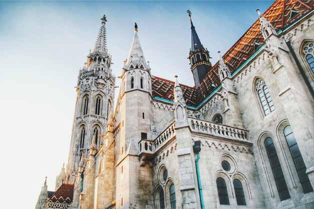 La Iglesia de Matías en el Free Tour por el Castillo de Buda de Budapest.