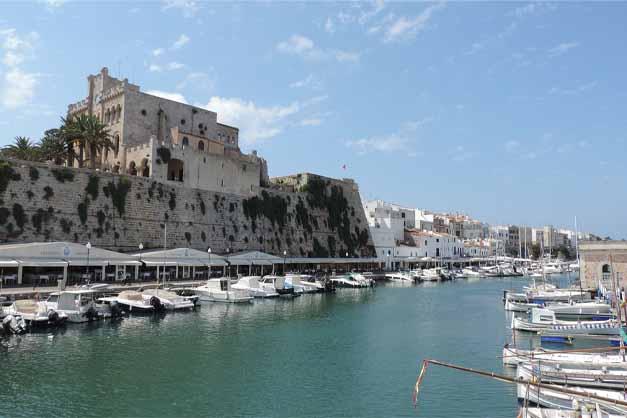 El Palacio del Gobernador en el Free Tour por la Ciutadella de Menorca.