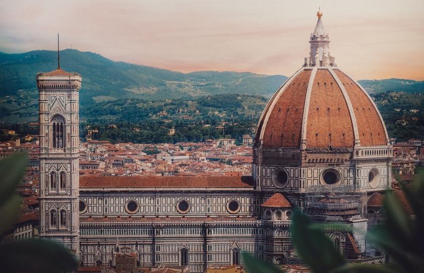 Paso por el Duomo durante el free tour por Florencia.