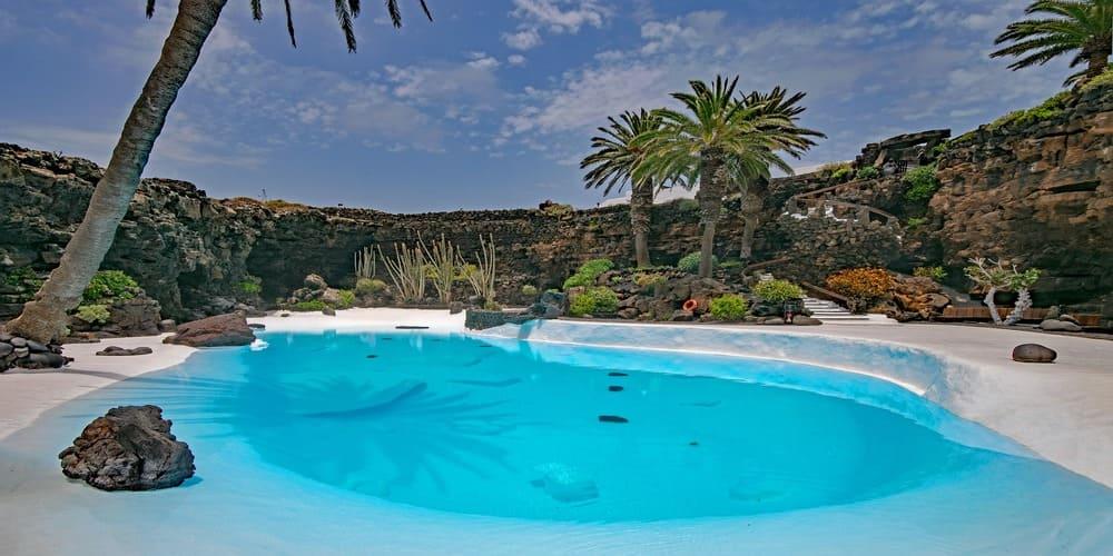 Los Jameos del Agua son uno de los lugares más bonitos de visitar en Lanzarote