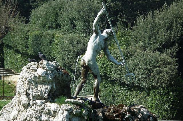Escultura de Neptuno en los Jardines Boboli de Florencia.