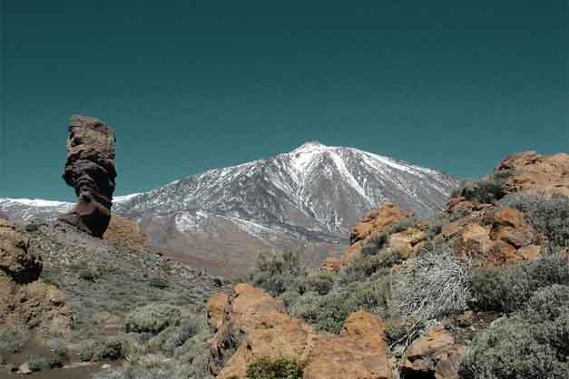 La ruta del Teide que va por el sendero de Roque Cinchado, en las Cañadas del Teide.