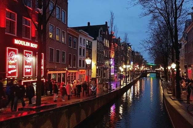 Tour por el Barrio Rojo de Ámsterdam en español