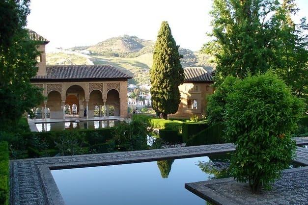 Visita Guiada por la Alhambra de Granada y Palacios Nazaríes